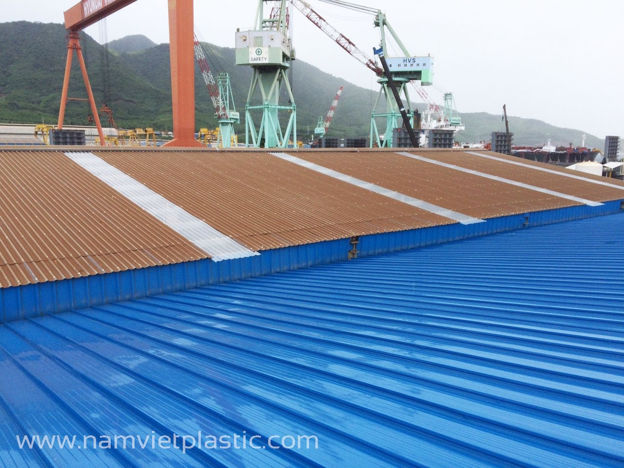 Nhà máy đóng tàu Hyundai-Vinashin Khánh Hòa